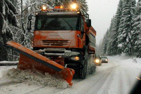 Cesty v okolí Tatier sú zjazdné: Na Vernári sú odstavené dva kamióny