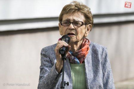 FOTO: Transport židovských dievčat do Auschwitzu pripomína pamätná tabuľa