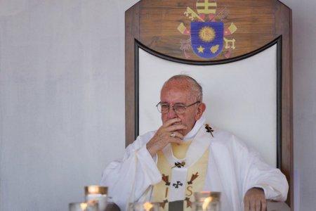 """Bude sa prepisovať Otčenáš? Pápež hovorí o spornom verši, """"zle"""" sa vraj modlíme"""