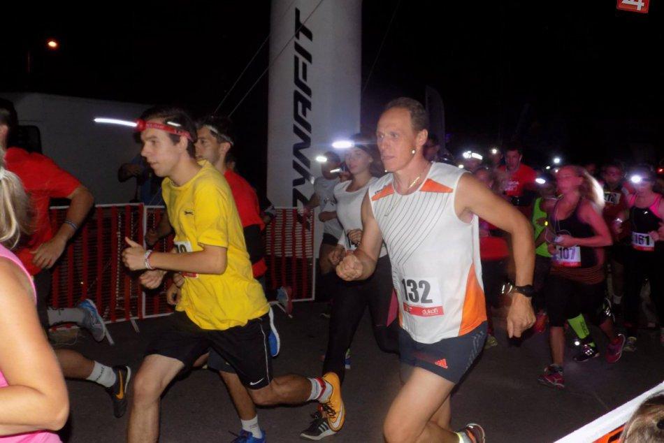 Ilustračný obrázok k článku Považskobystrické ulice ožili: Nočná zábava nielen pre bežcov, FOTO