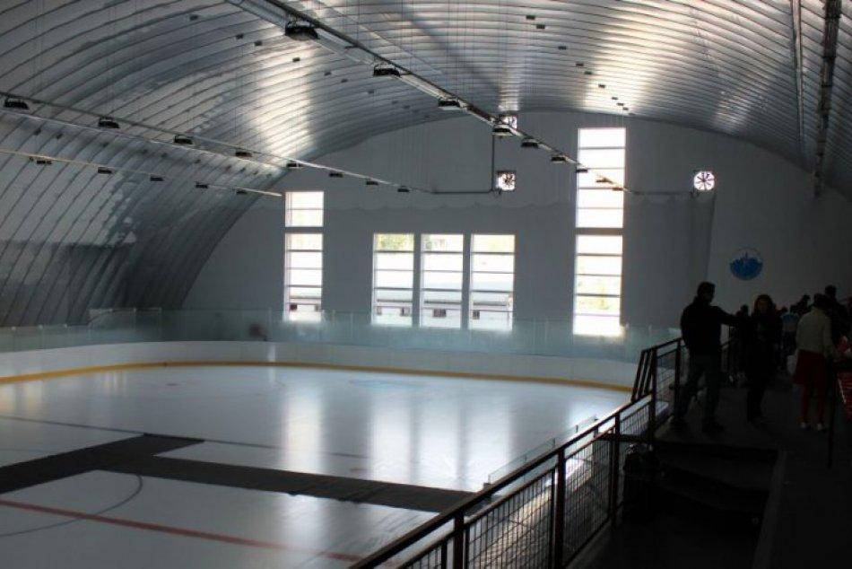 Nová hokejová hala