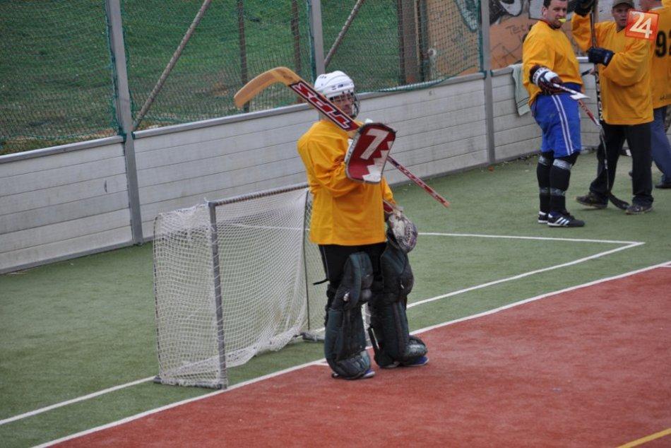 Hokejbal: Hecnuté Pecky vs. Rudná