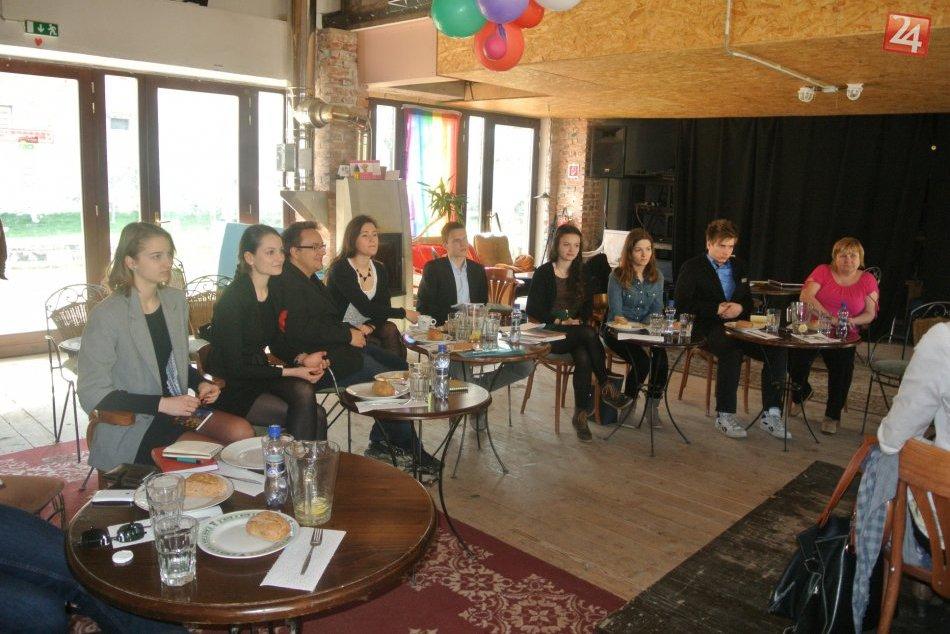 Bystrickí študenti na raňajkách s primátorom: Pod Urpínom by uvítali pracovníka