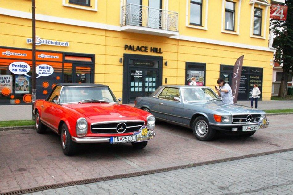 Veterány na popradskom námestí v rámci Oldtimer Rallye Tatry 2014