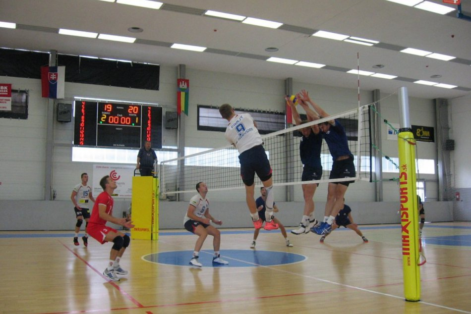 Volejbalisti na medzinárodnom turnaji nemali svoj deň
