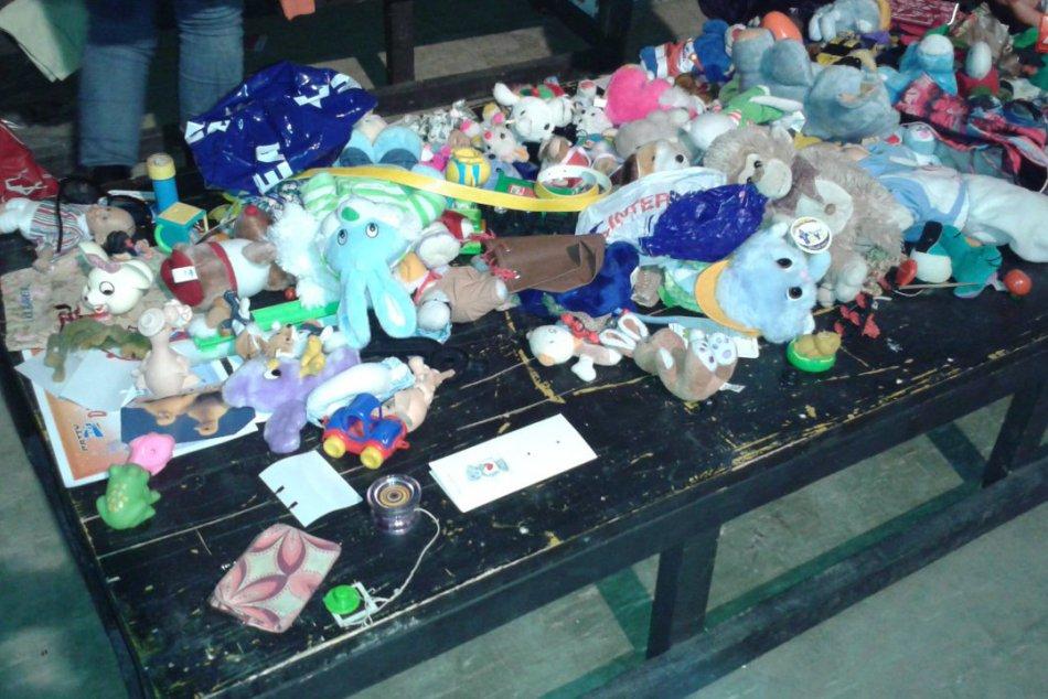 Kopy oblečenia, knihy, aj hračky... V Zóne bez peňazí bolo z čoho vyberať