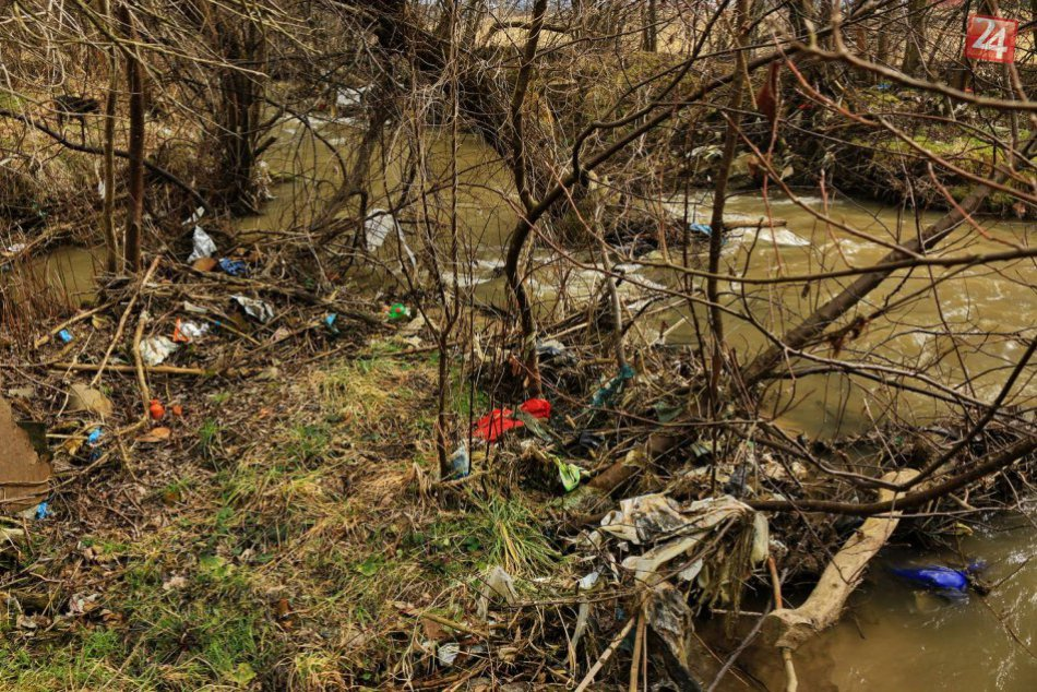 Smutné zábery zo Spišskej: Príroda ako smetisko