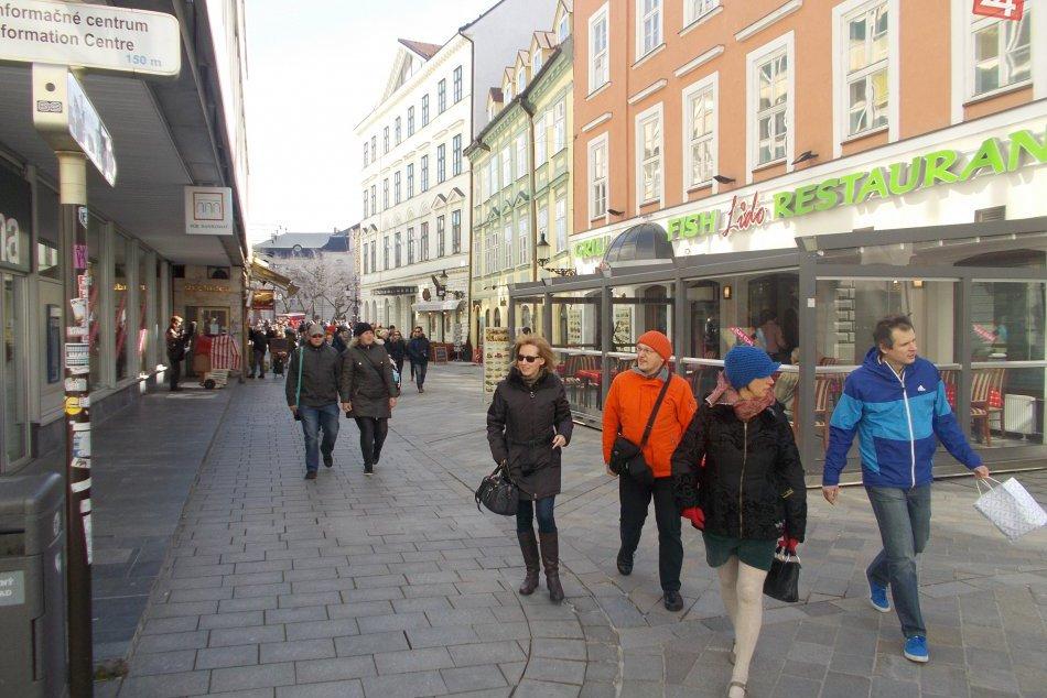 Centrum Bratislavy plné turistov