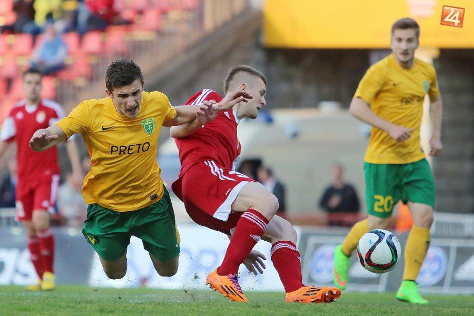 Ani ďalší zápas futbalistov spod Urpína fanúšikov veľmi nepotešil