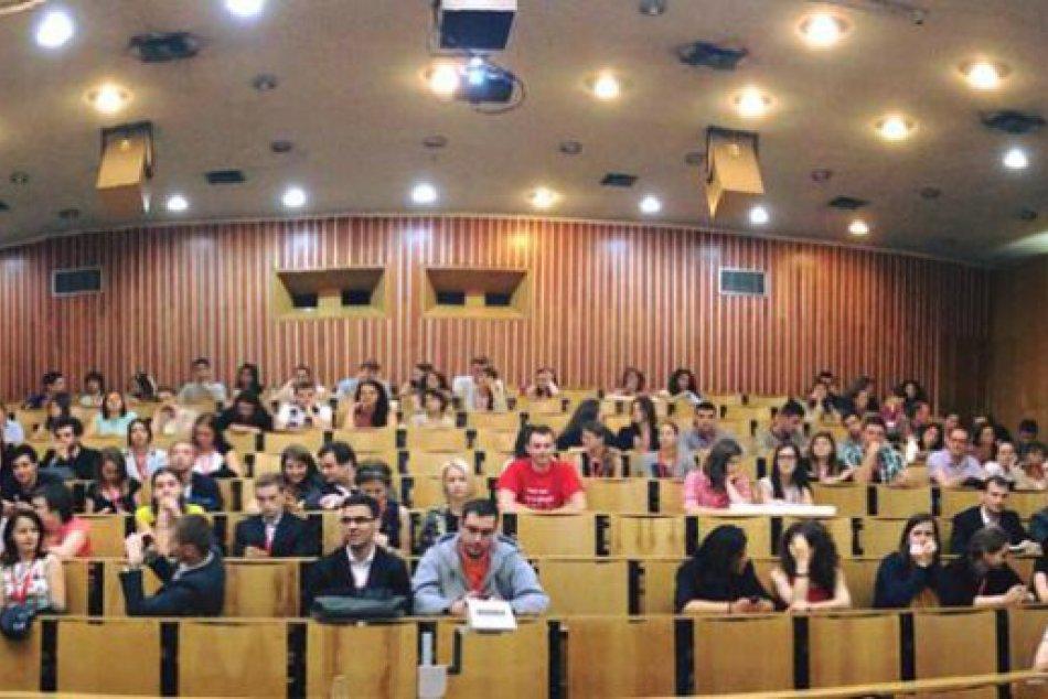 FOTO: Kongresu sa zúčastnilo vyše 150 zahraničných študentov