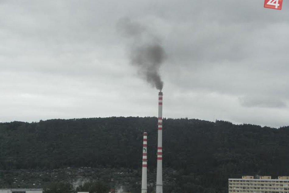 FOTO: Čierny dym v Žiline zachytený na záberoch nášho čitateľa