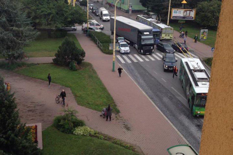 FOTO: Na Štefánikovej ulici došlo k búračke