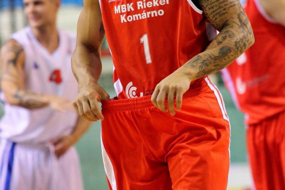 Foto: Basketbalisti blízko senzácie