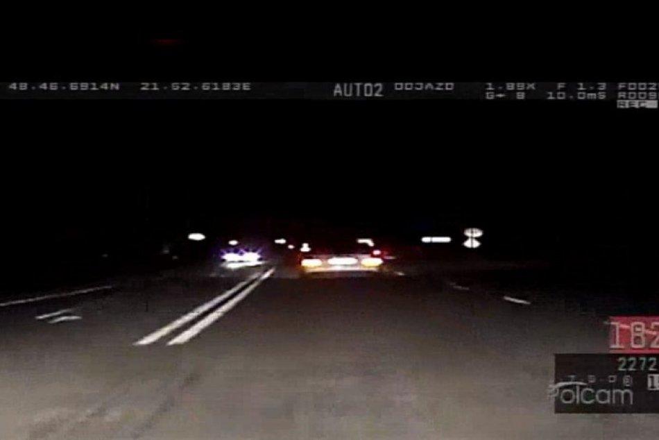 Polícia: Vodič prekročil povolenú rýchlosť o 104 km/h!