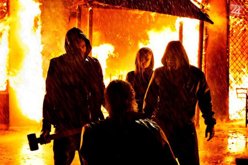 SUBURRA, film o peniazoch, mafii a boji o moc