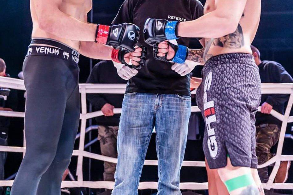 MMA: Čambal vs Sokolovský FOTO