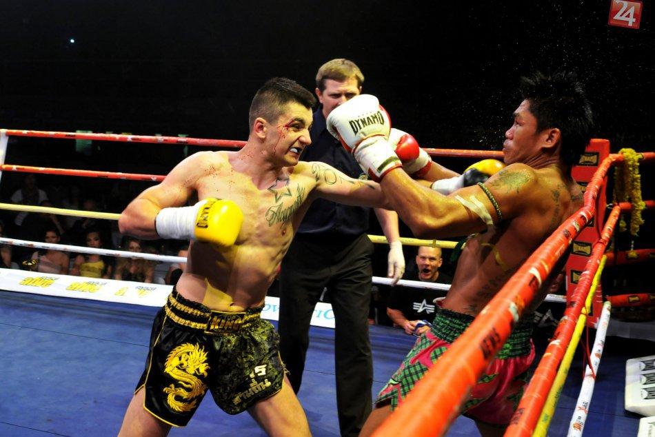 FOTO: Mladý bojovník v thajskom boxe robí Bystrici skvelé meno