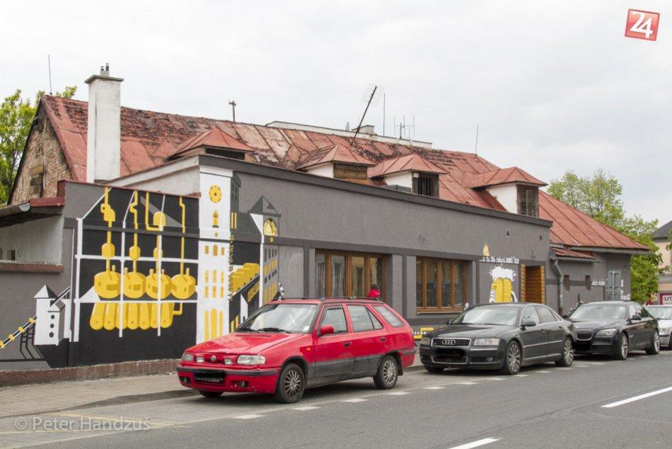 V noci v Poprade horelo: V centre mesta plamene zničili reštauráciu