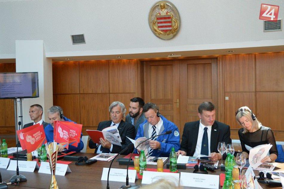 Hodnotiaca komisia na stretnutí so športovcami a vedením mesta