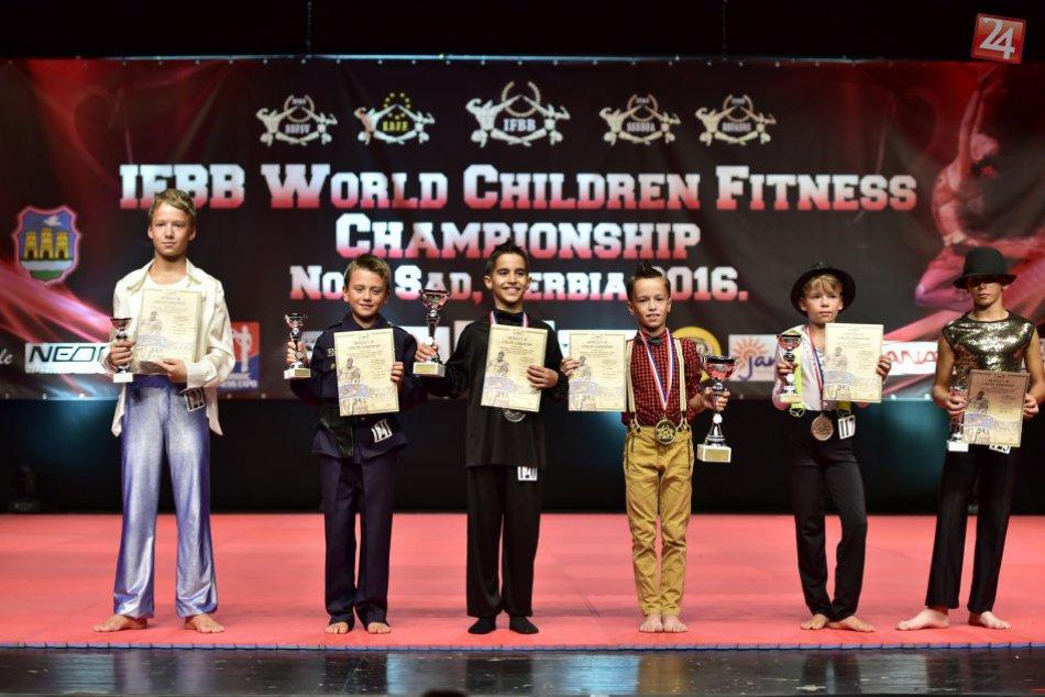 Na Majstrovstvách sveta v detskom fitness Zvolen zahviezdil