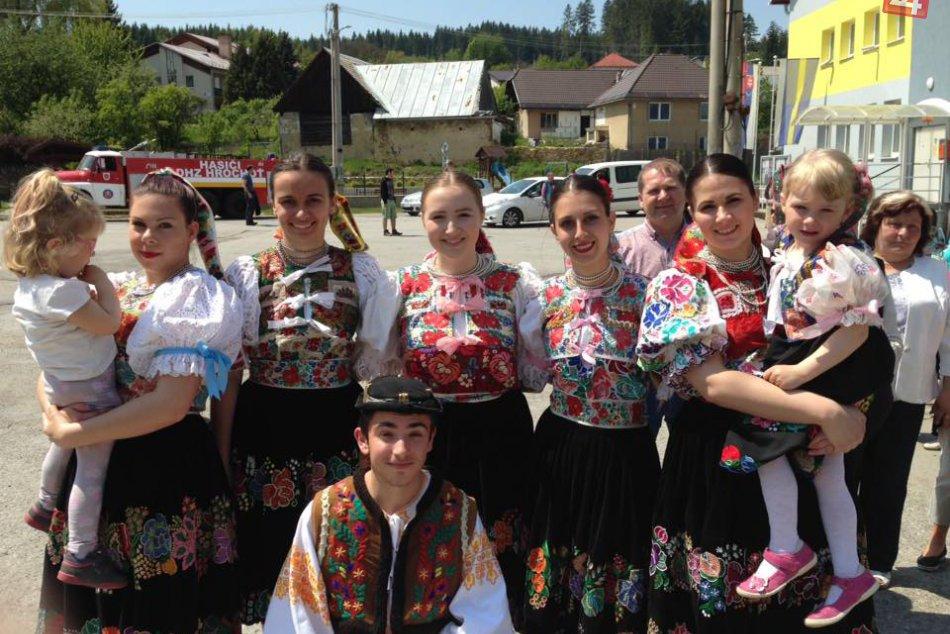 FOTO: Mladá folkloristka Ivka z Hrochote