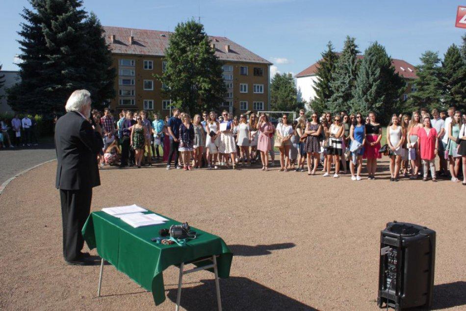 FOTO: Mikulášski gymnazisti ukončili školský rok