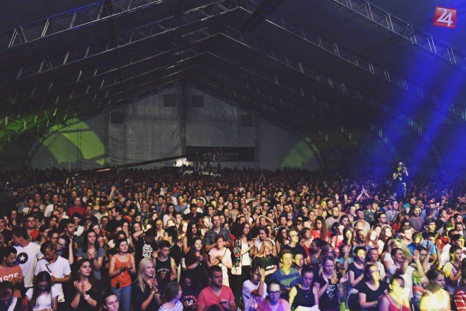OBRAZOM: Prvý festivalový deň na CampFeste odpálila kapela Tretí deň