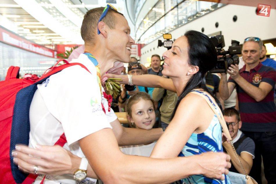 V OBRAZOCH: Matej Tóth sa vrátil z Ria. Čakalo ho veľké privítanie