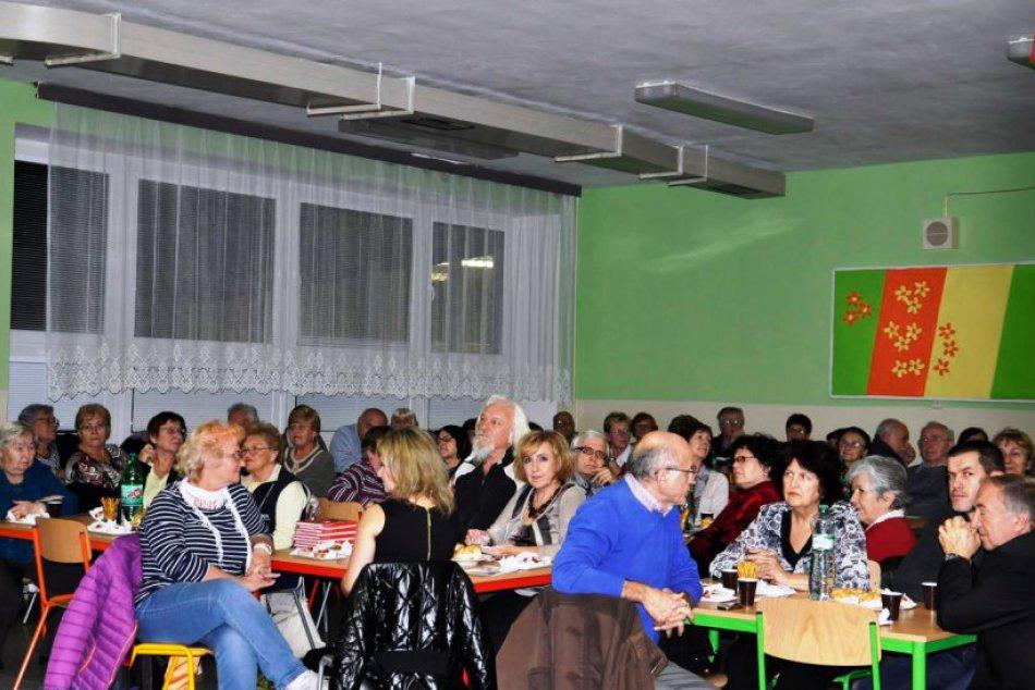 V OBRAZOCH: Prvý večer stretnutia seniorov v Bystrici