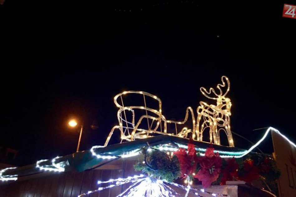 V OBRAZOCH: Krása Vianoc v uliciach nočnej Bystrice