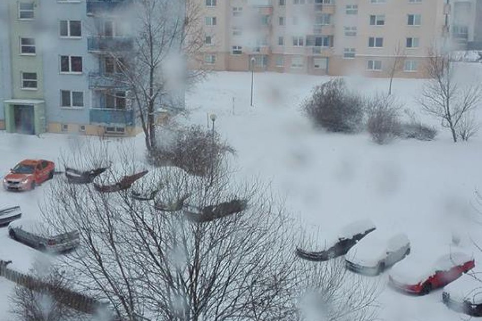 FOTO: Zima zavítala aj pod Zobor, Nitru pokryla snehobiela perina!
