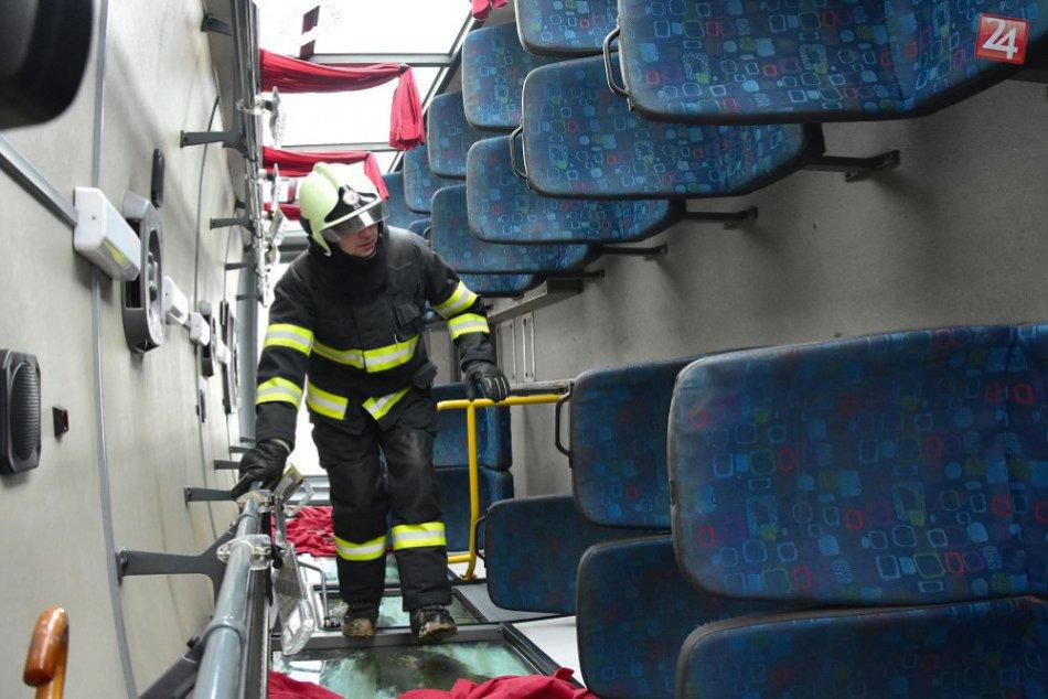 FOTOGALÉRIA: Havária autobusu na Zemplíne v obrazoch