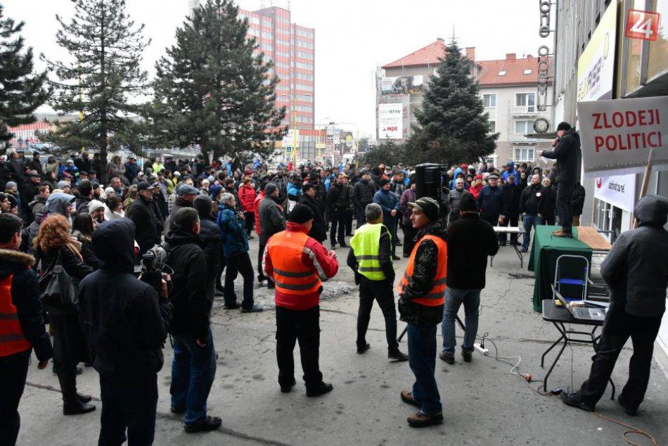 Prešovčania opäť protestovali: Na Levočskej blokovali dopravu