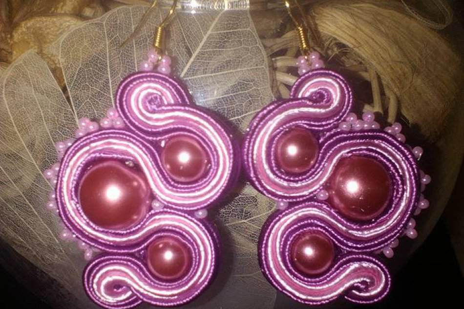 Pani Slávka zo Spiša sa má čím pochváliť: Vyrába naozaj krásne šperky, FOTO