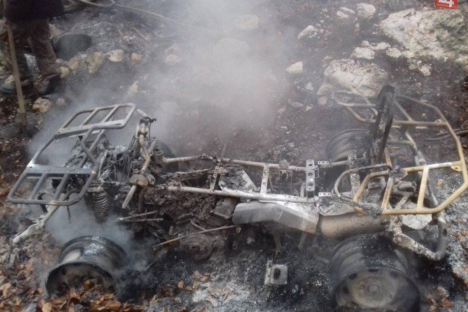 Požiar v CHKO Strážovské vrchy: Mužovi (22) zhorela štvorkolka