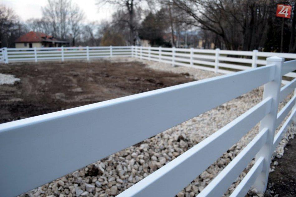 FOTO: Nová ohrada pre zvieratá v mestskom parku v Nitre