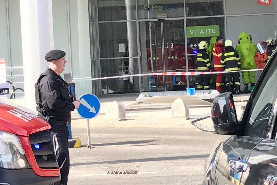 Obchodný dom - zásah hasičov