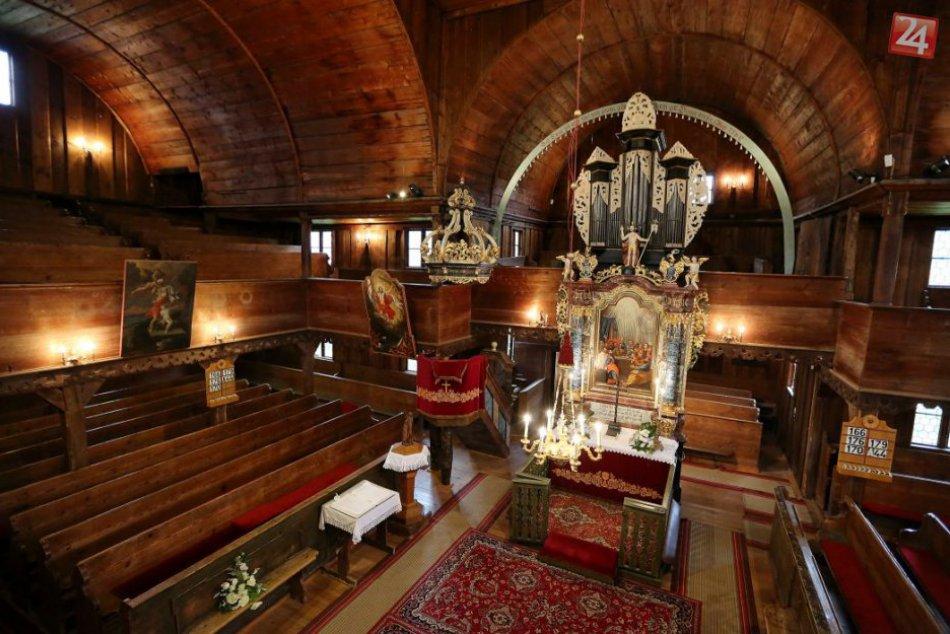 V OBRAZOCH: Drevený artikulárny evanjelický kostol v Hronseku