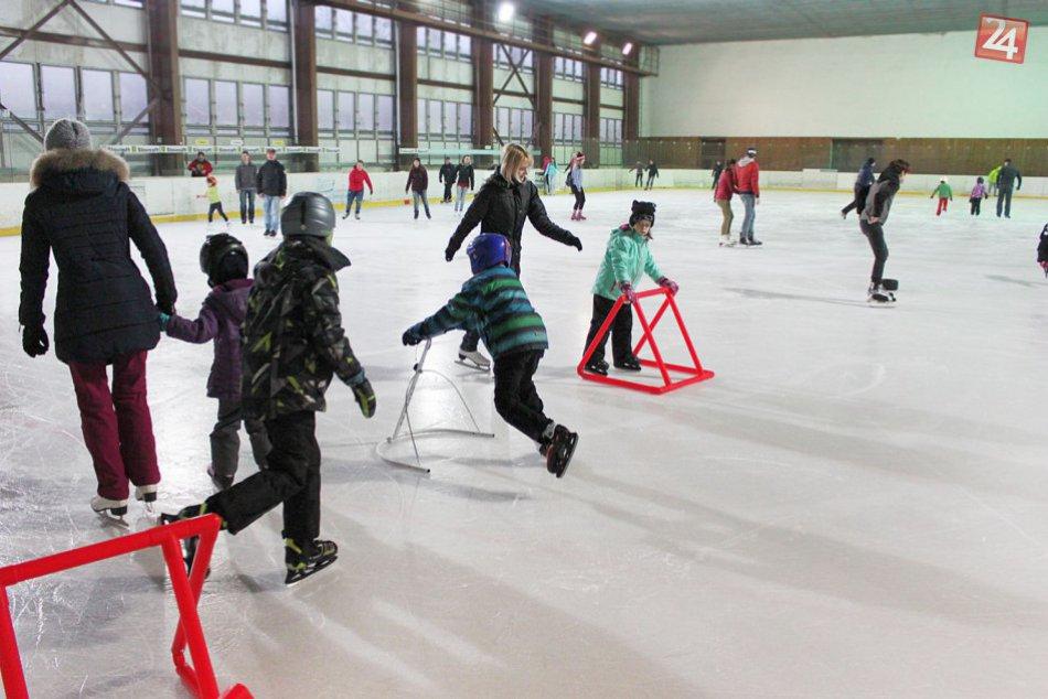V OBRAZOCH: Nové pomôcky pre korčuliarov na bystrickom zimáku