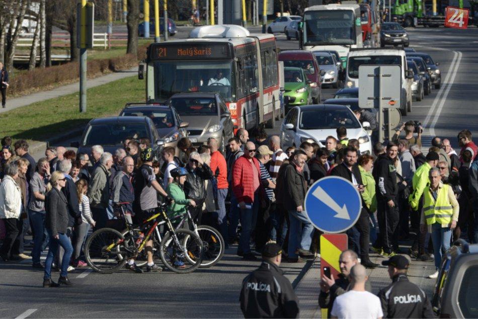 FOTOGALÉRIA: Obrazom z blokácie v Prešove