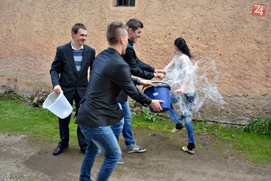 Obrazom: Takáto spŕška sa ušla dievčatám vo Vlachove!