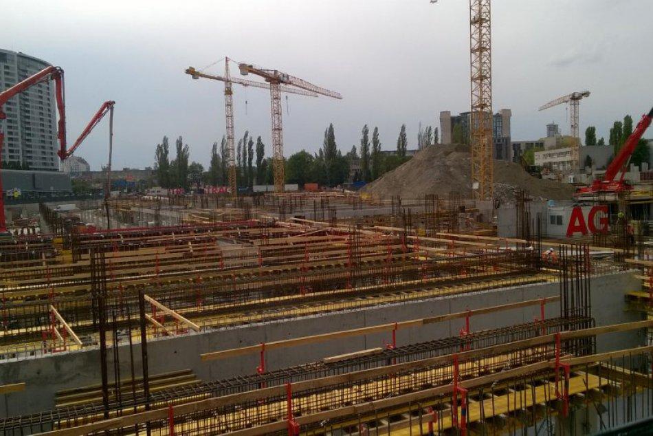 Výstavba Národného futbalového štadióna (19. apríl 2017)