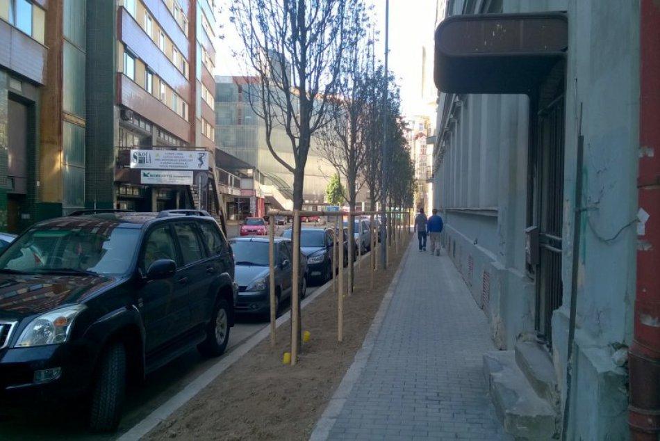 Rekonštrukcia chodníka na Kúpeľnej a výmena stromoradia na Palackého
