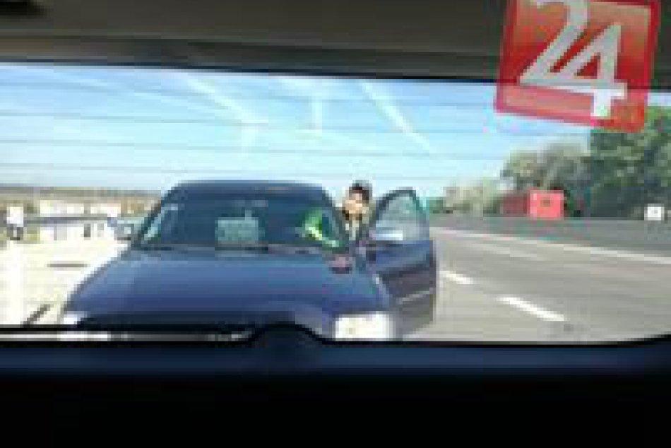 Pozor na cestách v Nitrianskom kraji: Úradovať na nich má falošný policajt, FOTO