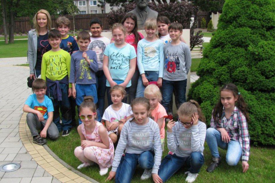 V OBRAZOCH: Návšteva Prvého slovenského gymnázia