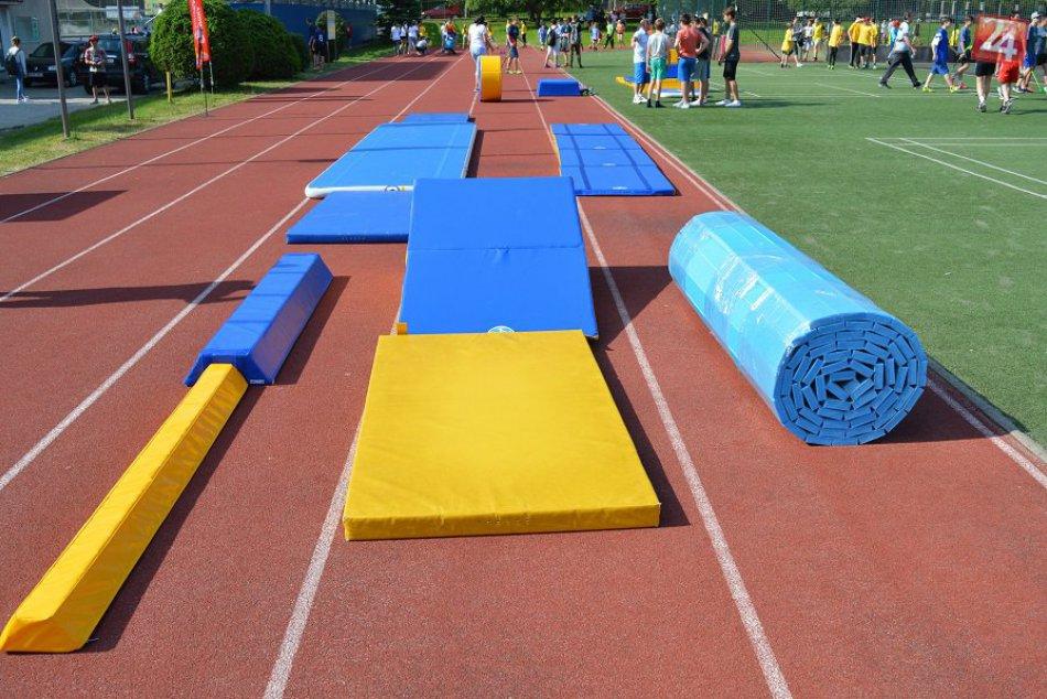 V OBRAZOCH: Nové gymnastické vybavenie pre bystrické školy