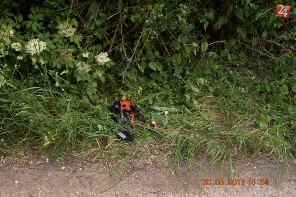 Neďaleko Nitry zrazilo auto cyklistu (70): Šofér z miesta činu ušiel!