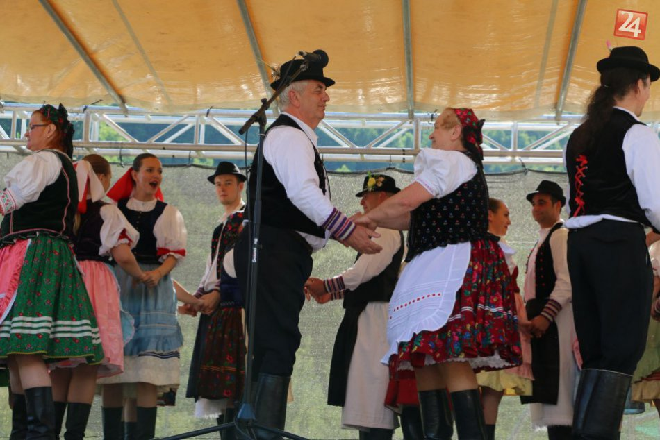 V OBRAZOCH: Oslavy v Revúčke priniesli folklór aj tradície