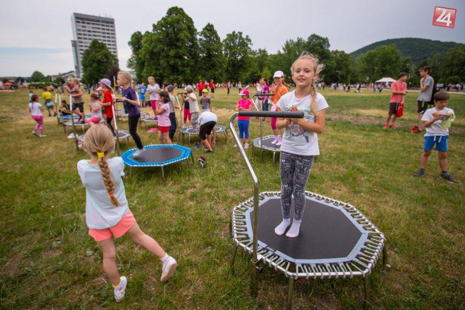 V OBRAZOCH: Park pod Pamätníkom zaplnili radosť a detská spontánnosť