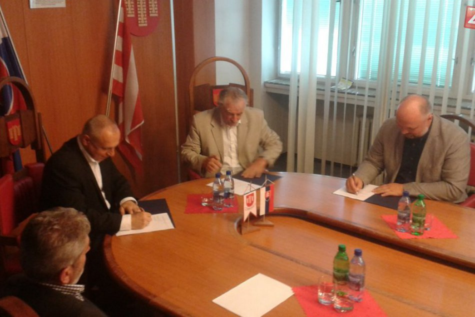Považská Bystrica sa stala centrom hádzanej: Slávnostný podpis zmluvy